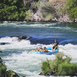 Rafting the Deschutes